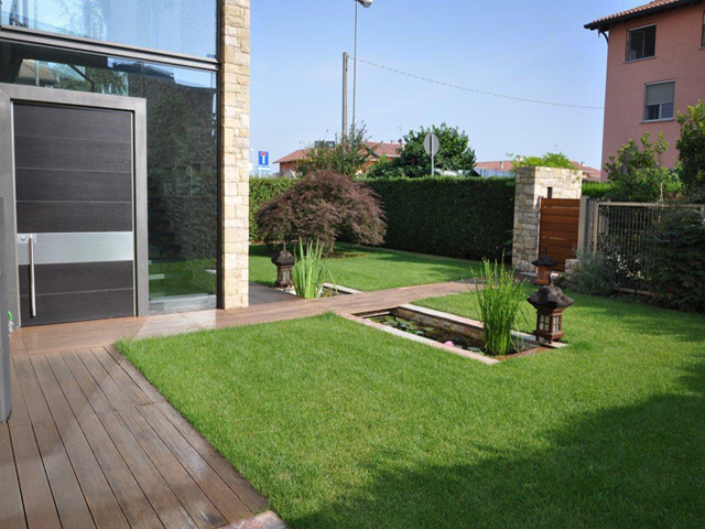 Giardino con vasca d 39 acqua progettazione giardini for Progetti per giardini di casa
