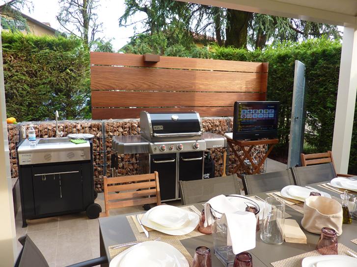 Cucine esterne da giardino in muratura cuisine d for Laghetto balneabile progetto
