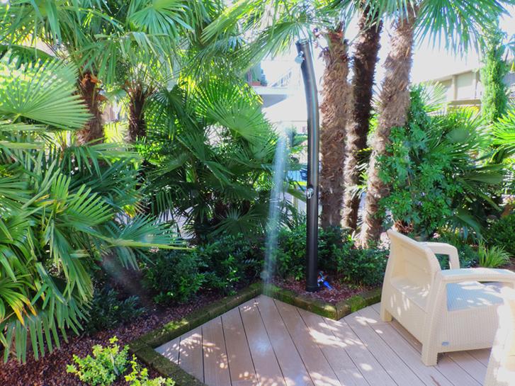 Giardino urbano acqua e legno progettazione giardini - Giardini bergamo ...