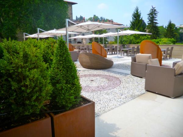 Allestimento spazi esterni Hotel Relais San Lorenzo (BG)