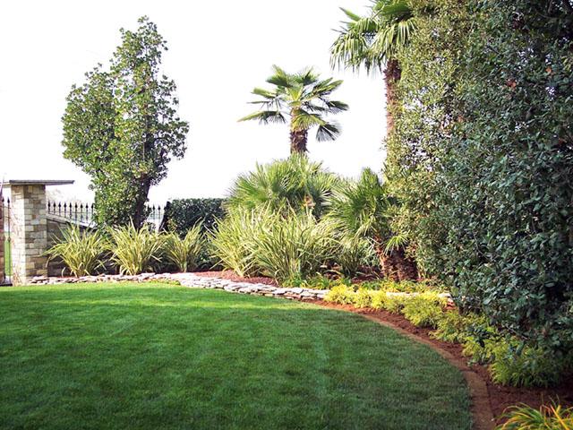 Giardino in campagna progettazione giardini for Laghetto balneabile progetto